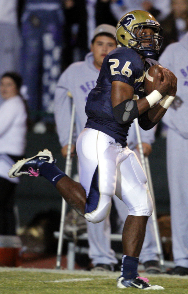 Photo - Heritage Hall's Barry Sanders catches a touchdown pass during the high school football game between Heritage Hall and Bethany at Heritage Hall in Oklahoma City, Friday, Oct. 28, 2011. Photo by Sarah Phipps, The Oklahoman