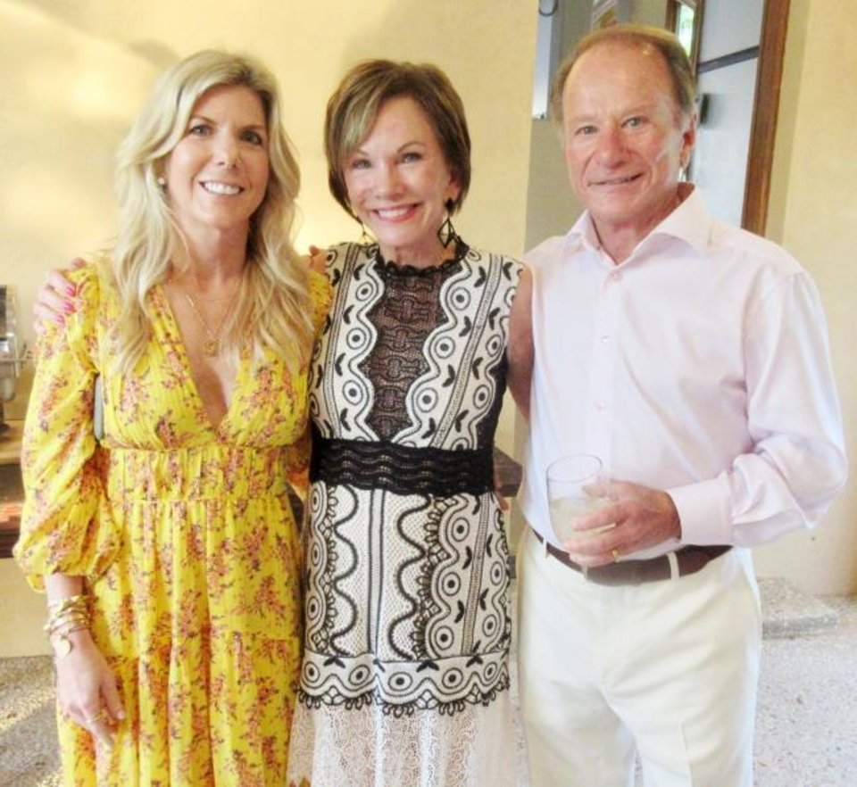 Photo -  Lisa Vose Combs, Susan Vose and Chuck Vose. [HELEN FORD WALLACE Photos/The Oklahoman]