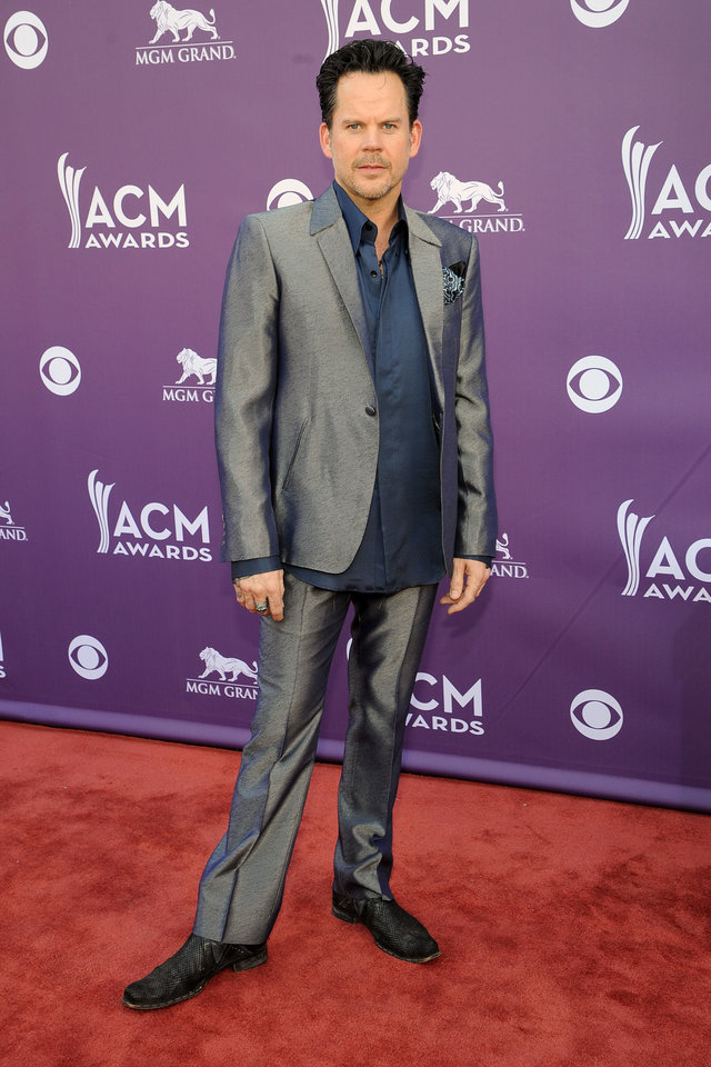 Photo - Musician Gary Allan arrives at the 48th Annual Academy of Country Music Awards at the MGM Grand Garden Arena in Las Vegas on Sunday, April 7, 2013. (Photo by Al Powers/Invision/AP) ORG XMIT: NVPM223