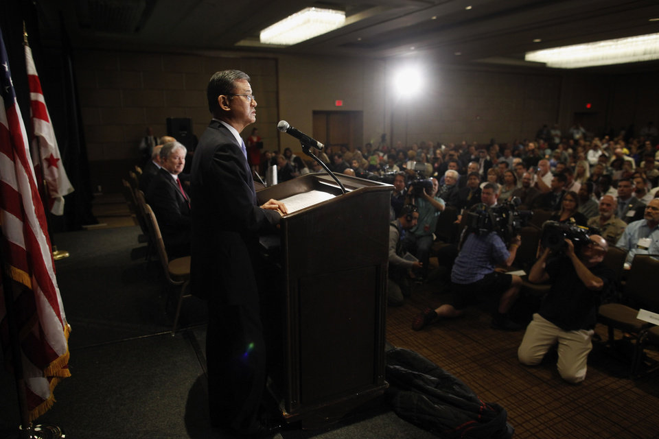 Photo - Veterans Affairs Secretary Eric Shinseki speaks at a meeting of the National Coalition for Homeless Veterans, Friday, May 30, 2014, in Washington. President Barack Obama says he plans to have a