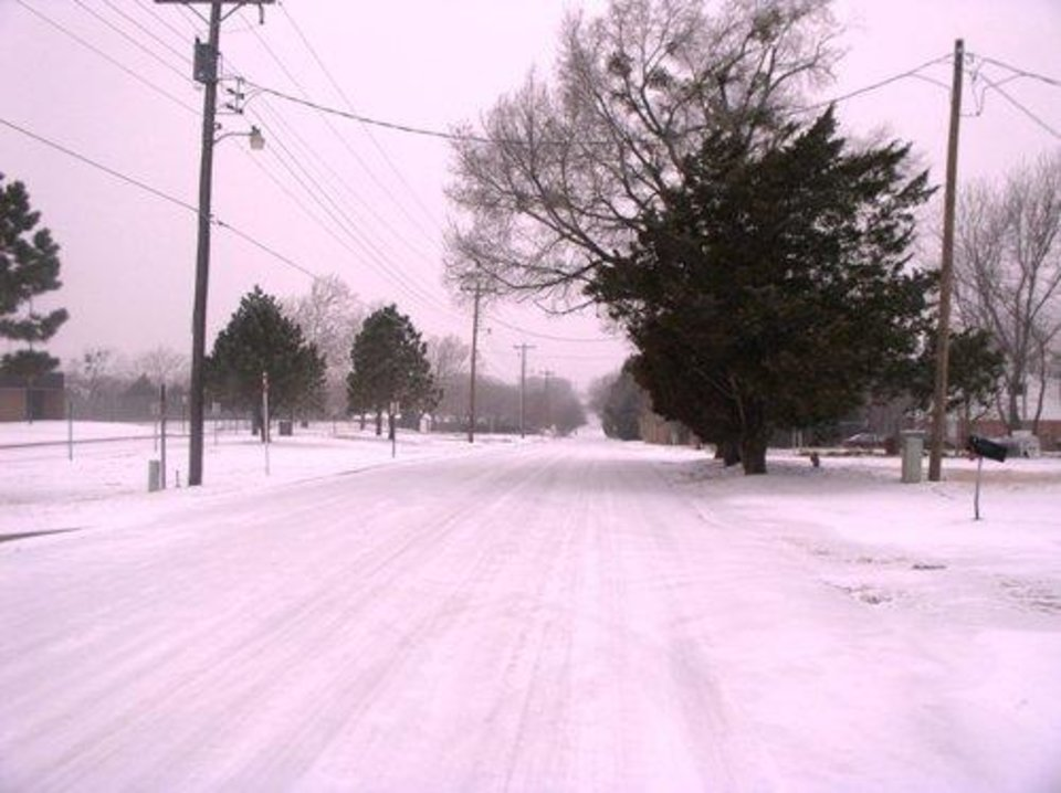 Elm Street in Harrah<br/><b>Community Photo By:</b> Gayle Campbell<br/><b>Submitted By:</b> Dan, Harrah