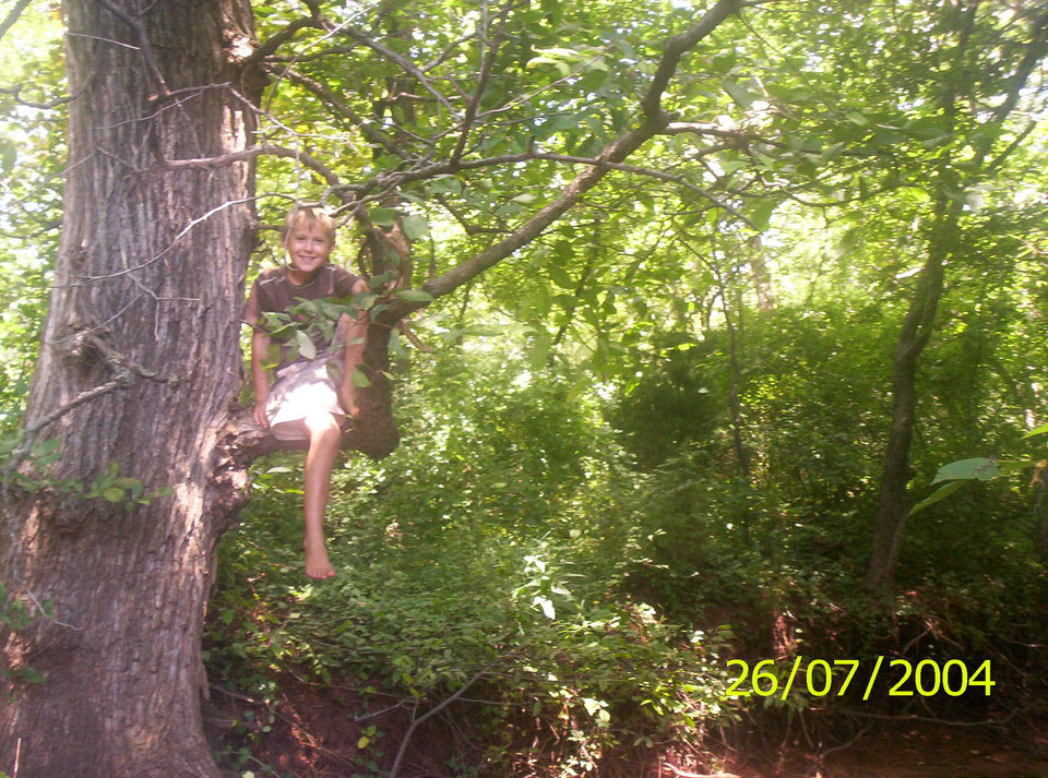In search for somethin really big... get ready for this>>>>>>>>> for all of you who are afraid of the deep woods.... Community Photo By: Tama Submitted By: Tama, Midwest