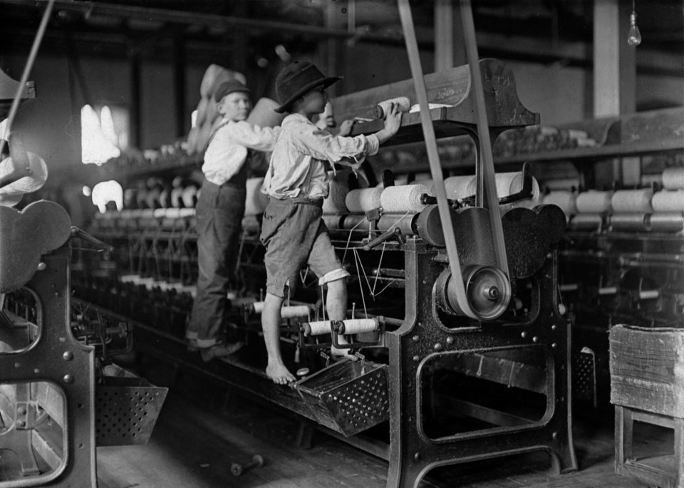 Photo - This Jan.,1909 photo released by theNational Archives, Records of the Children's Bureau shows Young loom workers at Bibb Mill No. 1 in Macon, Georgia. The photo is part of