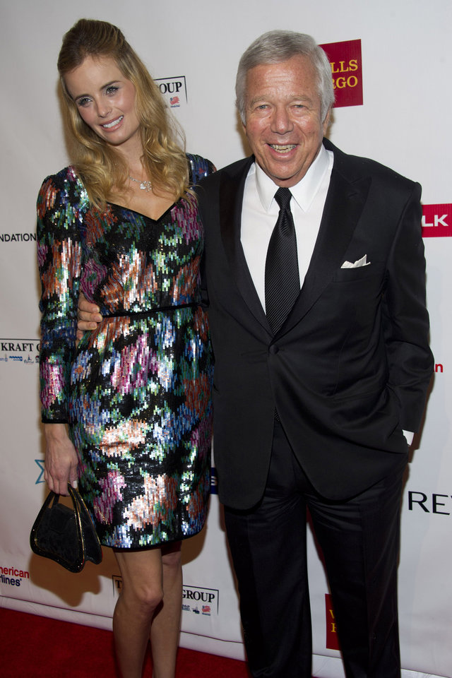 Photo -   Robert Kraft, right, and Ricki Noel Lander attend Elton John's AIDS Foundation's 11th annual Enduring Vision benefit on Monday, Oct. 15, 2012 in New York. (Photo by Charles Sykes/Invision/AP)