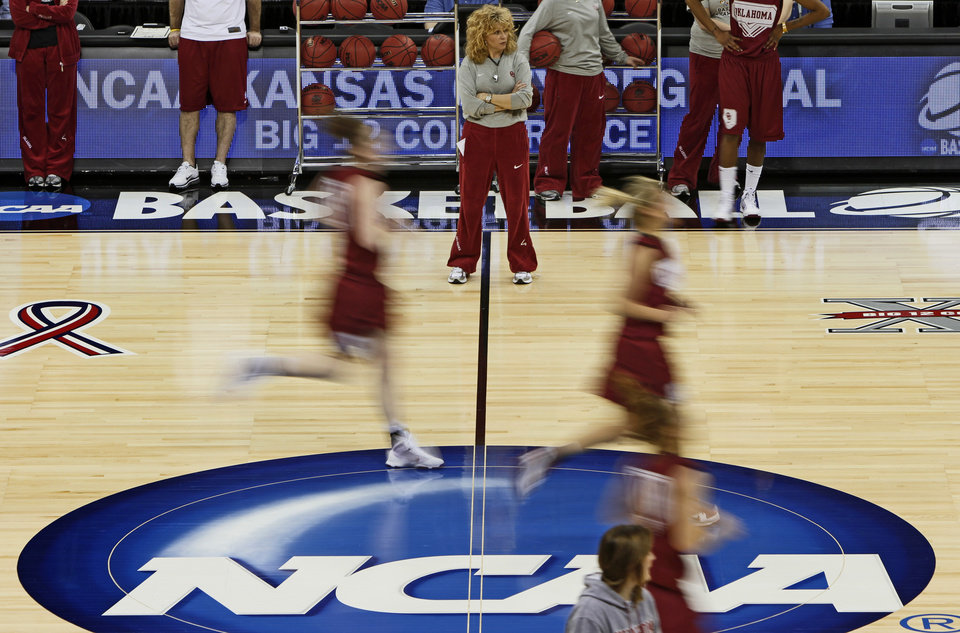 OU coach Sherri Coale watches her team during practice in Kansas City, Mo., on Saturday, March 27, 2010. The University of Oklahoma will play Notre Dame in the Sweet 16 round of the NCAA women's  basketball tournament on Sunday.