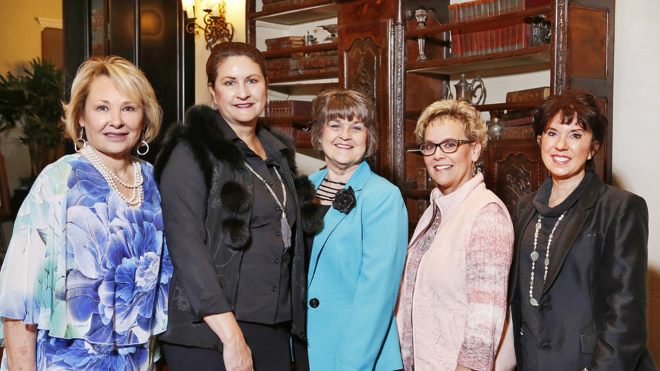 Photo - Pat Grisham, Jonna Kirschner, Beth Cupp, Jan Peery, Mary Blankenship Pointer. PHOTO BY JIM BECKEL, THE OKLAHOMAN