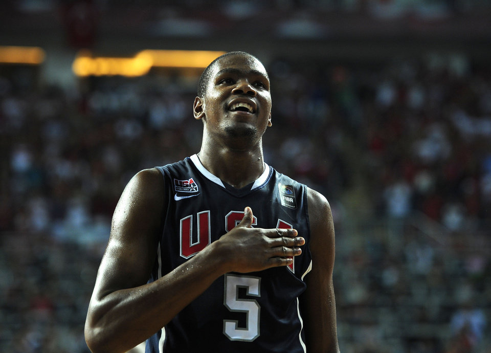 U.S. / UNITED STATES / USA BASKETBALL TEAM / REACTION: USA\'s Kevin Durant reacts during the final of the World Basketball Championship between Turkey and the USA, Sunday, Sept. 12, 2010, in Istanbul. (AP Photo/Mark J. Terrill) ORG XMIT: ISTH188