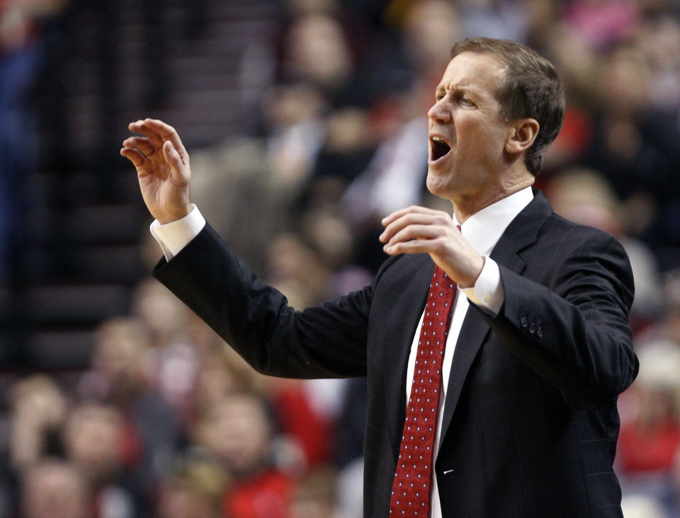 Photo -   Portland Trail Blazers coach Terry Stotts reacts to a call during the first quarter of the Blazers' NBA basketball game against the Los Angeles Lakers in Portland, Ore., Wednesday, Oct. 31, 2012. (AP Photo/Don Ryan)