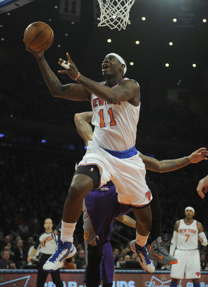 New York Knicks' Ronnie Brewer drives to the basket in the first quarter of the NBA basketball game at Madison Square Garden in New York, Sunday, Dec. 2, 2012. (AP Photo/Henny Ray Abrams)