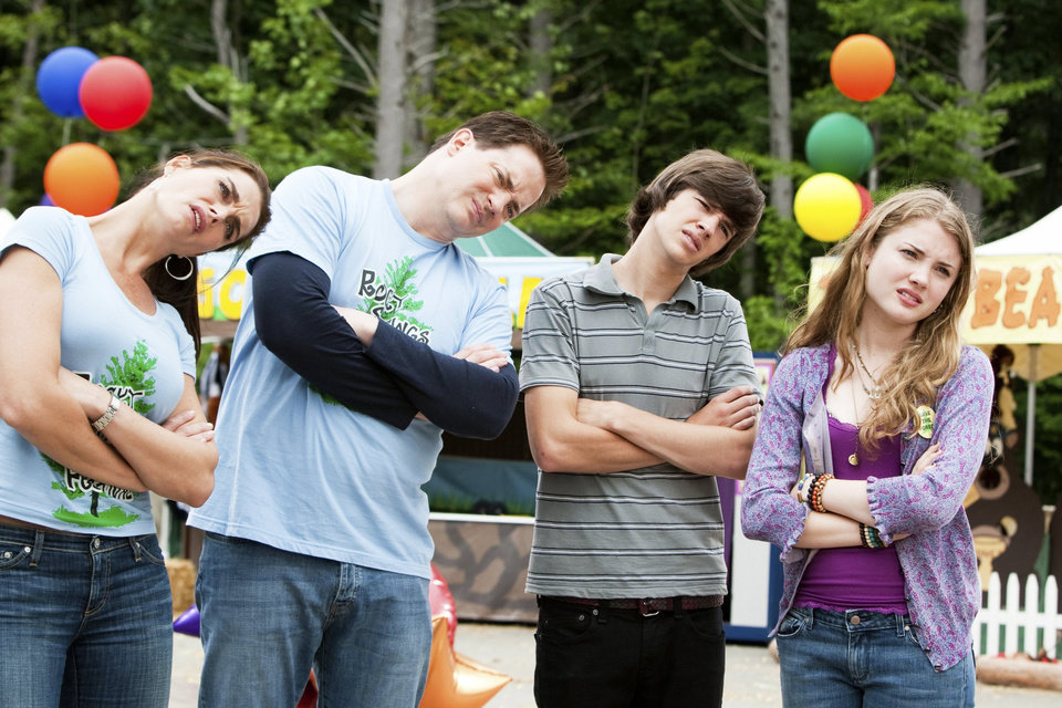 In this film publicity image released by Summit Entertainment, from left, Brooke Shields, Brendan Fraser, Matt Prokop and Skyler Samuels are shown in a scene from