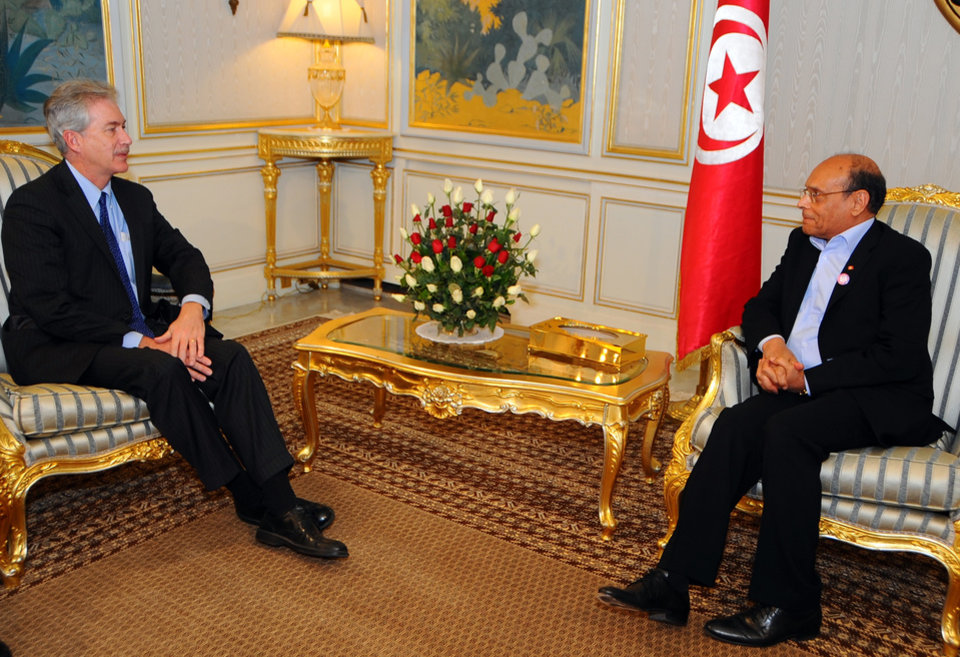Tunisia\'s President Moncef Marzouki, right, speaks with William Burns, US Deputy Secretary of State, at the Carthage presidential palace, Tunis Thursday, Dec. 13, 2012. (AP Photo/Hassene Dridi)