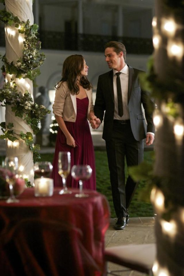 "Beauty and the Beast -- ""Bridesmaid Up!"" -- Pictured (L-R): Kristin Kreuk as Catherine and Jay Ryan as Vincent -- Photo: Sven Frenzel/The CW — Image Number: BB108a_0275.jpg -- © 2012 The CW Network, LLC. All rights reserved."