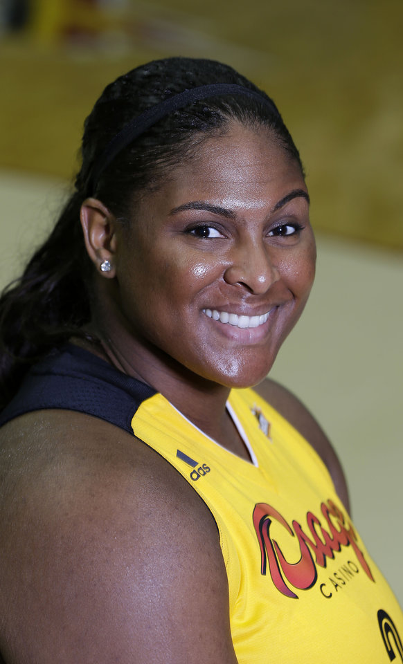 Photo - Courtney Paris during media day for the Tulsa Shock May 8, 2014.   MIKE SIMONS/Tulsa World