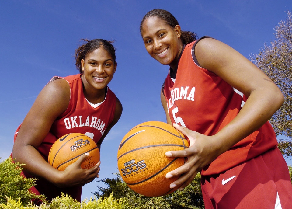 Photo - UNIVERSITY OF OKLAHOMA, ASHLEY PARIS: Twins Ashley (5) and Courtney Paris (3) are a dominant force for Sherri Coale's OU women's college basketball team in Norman, Oklahoma, November 22, 2005.  by Steve Sisney/The Oklahoman