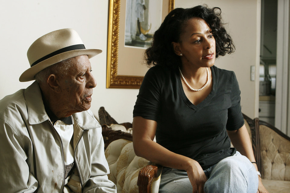 Oklahoma City resident Robert Jones, 103,with his granddaughter Victoria Kemp, Dallas, Texas, at his home in Oklahoma City Thursday, Nov. 6, 2008, talking about this week\'s presidential election. BY PAUL B. SOUTHERLAND, THE OKLAHOMAN