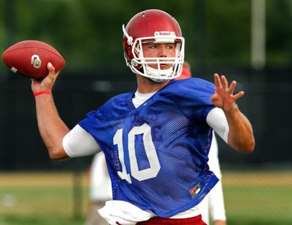 Blake Bell is competing with Trevor Knight and Kendal Thompson for Oklahoma's quarterback job in 2013. PHOTO BY STEVE SISNEY, THE OKLAHOMAN ARCHIVE