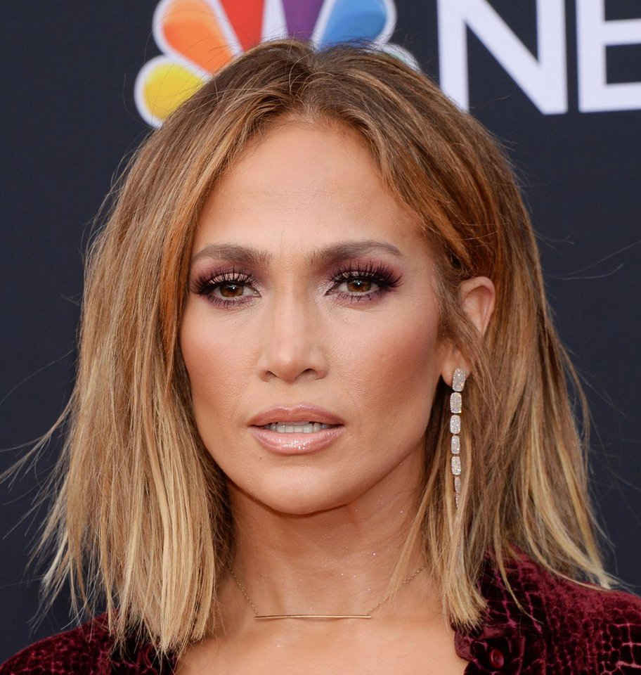 Photo - Jennifer Lopez plans to launch her own skincare line in late 2019.