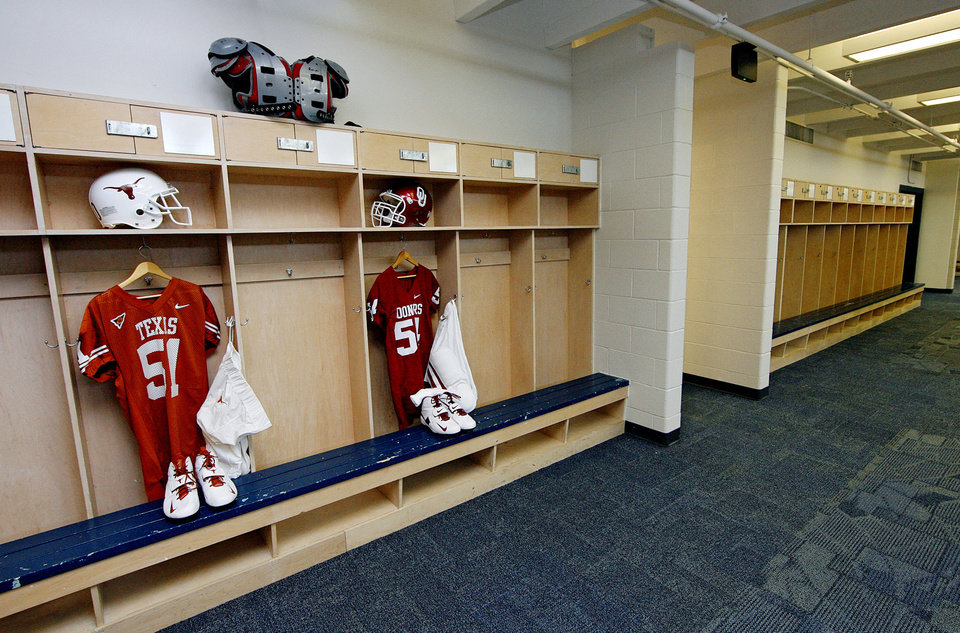 Photo - Renovations to the Cotton Bowl team locker rooms on display to the media on Wednesday, Sept 17,  2008, in Dallas, Texas.