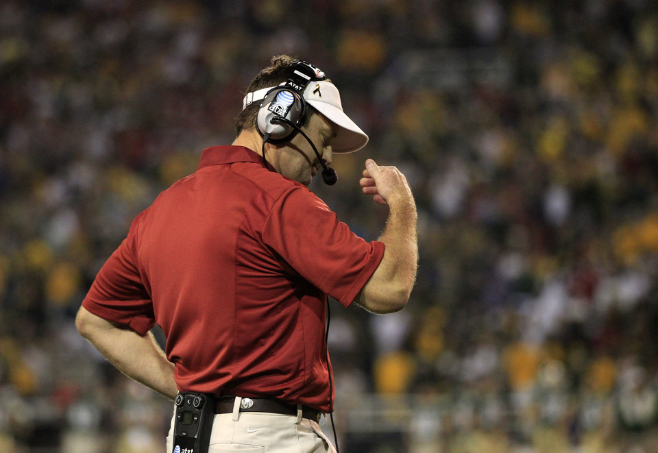 Oklahoma head coach Bob Stoops reacts to a penalty call against his team late in the second half of an NCAA college football game against Baylor, Saturday, Nov. 19, 2011, in Waco, Texas. Oklahoma lost 45-38. (AP Photo/Tony Gutierrez) ORG XMIT: TXTG216