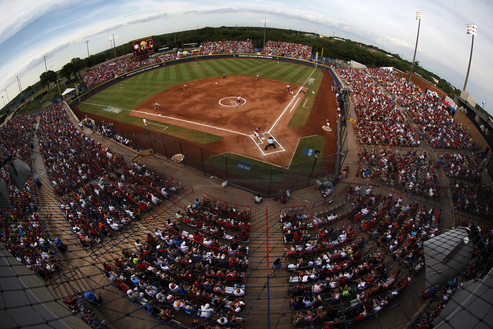 A Women's College World Series softball game between OU and Alabama at ASA Hall of Fame Stadium in Oklahoma City, Tuesday, June 5, 2012.  Photo by Garett Fisbeck, The Oklahoman