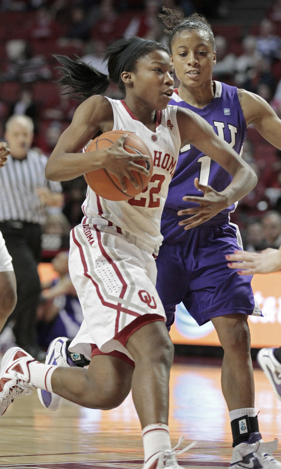 Oklahoma Sooners\' DaShawn Harden (22) drives to the basket in the second half as the University of Oklahoma (OU) Sooners defeated the Texas Christian University (TCU) Horned Frogs 82-54 in women\'s college basketball at the Lloyd Noble Center on Wednesday, Dec. 28, 2011, in Norman, Okla. Photo by Steve Sisney, The Oklahoman
