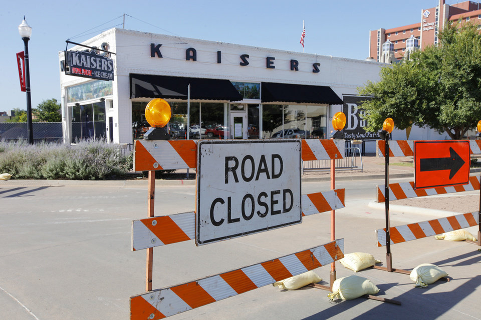 Photo -  Road construction related to a $53 million expansion of St. Anthony Hospital is cited in the closing of Kaiser's American Bistro at NW 10 and Walker Avenue.    PAUL B. SOUTHERLAND -  PAUL B. SOUTHERLAND