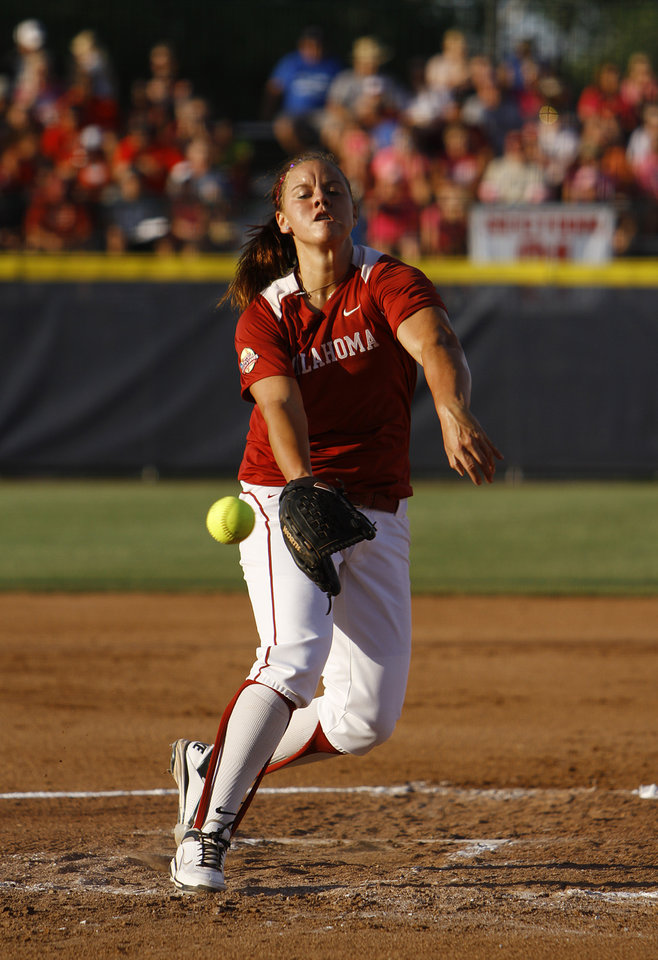 Oklahoma\'s Keilani Ricketts (10) pitches during a Women\'s College World Series game between OU and Alabama at ASA Hall of Fame Stadium in Oklahoma City, Monday, June 4, 2012. Photo by Garett Fisbeck, The Oklahoman