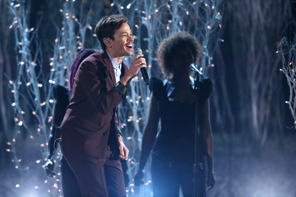 """Photo - Nate Ruess performs """"Just Give Me a Reason"""" at the 56th annual Grammy Awards at Staples Center on Sunday, Jan. 26, 2014, in Los Angeles. (Photo by Matt Sayles/Invision/AP)"""