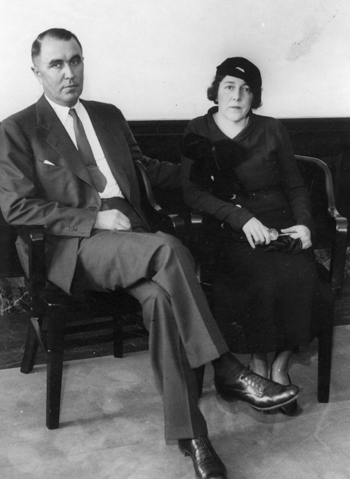 Photo - Mr. and Mrs. Charles Urschel during the famous kidnapping trial 3/9/1938