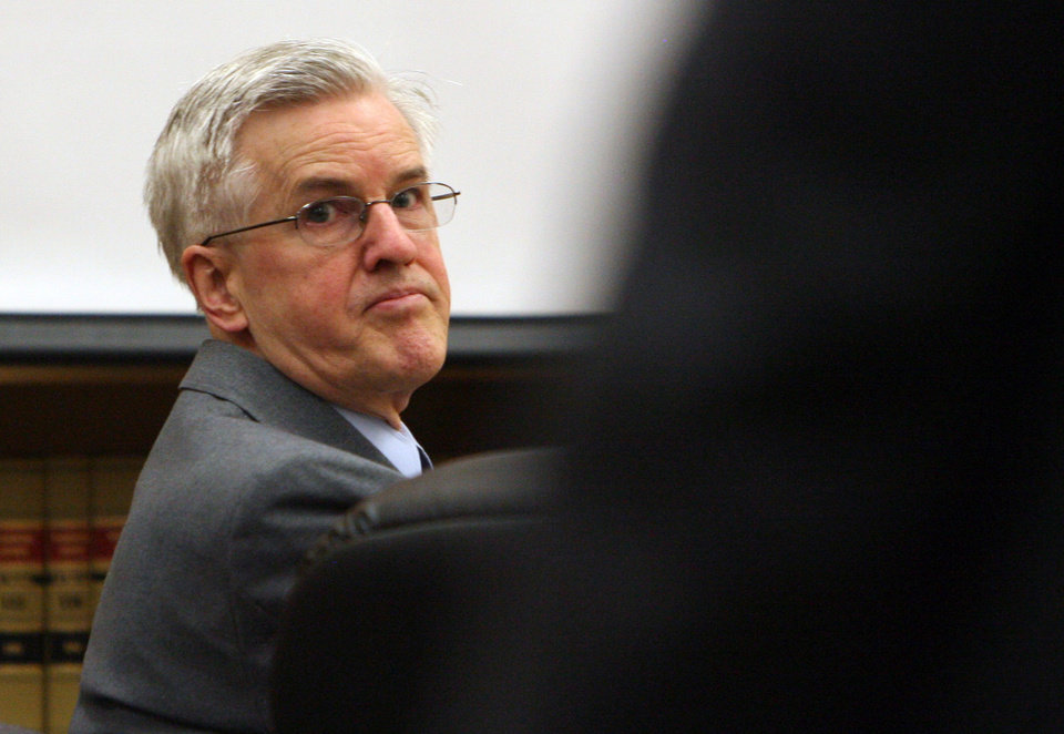 Photo -   Steve Powell appears in court for his voyeurism trial, Tuesday, May 15, 2012, in Tacoma, Wash. Powell is the father-in-law of missing Utah mother Susan Powell. (AP Photo/The Salt Lake Tribune, Steve Griffin) DESERET NEWS OUT; LOCAL TV OUT; MAGS OUT