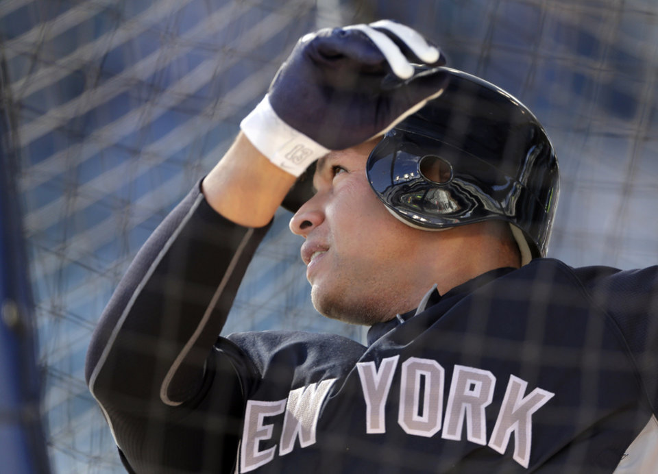 Photo -   New York Yankees' Alex Rodriguez takes batting practice before Game 4 of the American League championship series against the Detroit Tigers Thursday, Oct. 18, 2012, in Detroit. (AP Photo/Charlie Riedel)