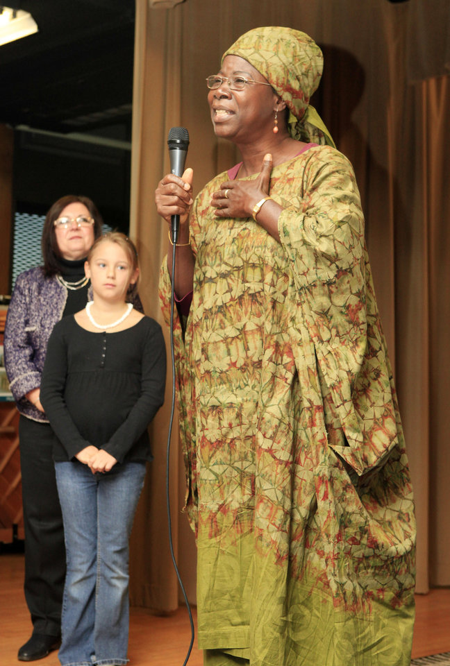 In this archive photo, Alice Iddi-Gubbels, executive director of PAMBE Ghana and principal of La'angum, talks to students about her school during a morning assembly at Cleveland Elementary School. Photo by Paul B. Southerland, The Oklahoman. <strong>PAUL B. SOUTHERLAND</strong>