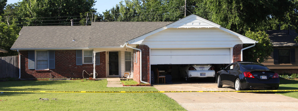 Photo -  2952 Lakeside Drive where The Village police department is investigating an assault and homicide case in The Village on Friday. Photo by Paul B. Southerland, The Oklahoman   PAUL B. SOUTHERLAND -  PAUL B. SOUTHERLAND