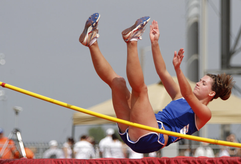 Photo - HIGH SCHOOL TRACK AND FIELD: Sarah Justus, of Bray-Doyle High School, participates in the girls Class A high jump during a track meet at Carl Albert High School in Midwest City, Friday, May 4, 2012.  Photo by Garett Fisbeck, For The Oklahoman