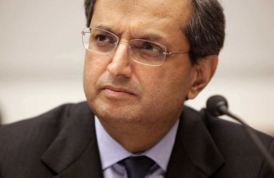 Photo -   FILE- In this Wednesday, Feb 11. 2009, file photo, Citigroup Chief Executive Officer Vikram Pandit testifies before the House Financial Services Committee in Washington. Pandit abruptly severed his ties with Citigroup on Tuesday, Oct. 16, 2012, stepping down as CEO and a director, after steering the bank through the 2008 financial crisis and the choppy years that followed. (AP Photo/Haraz N. Ghanbari, File)