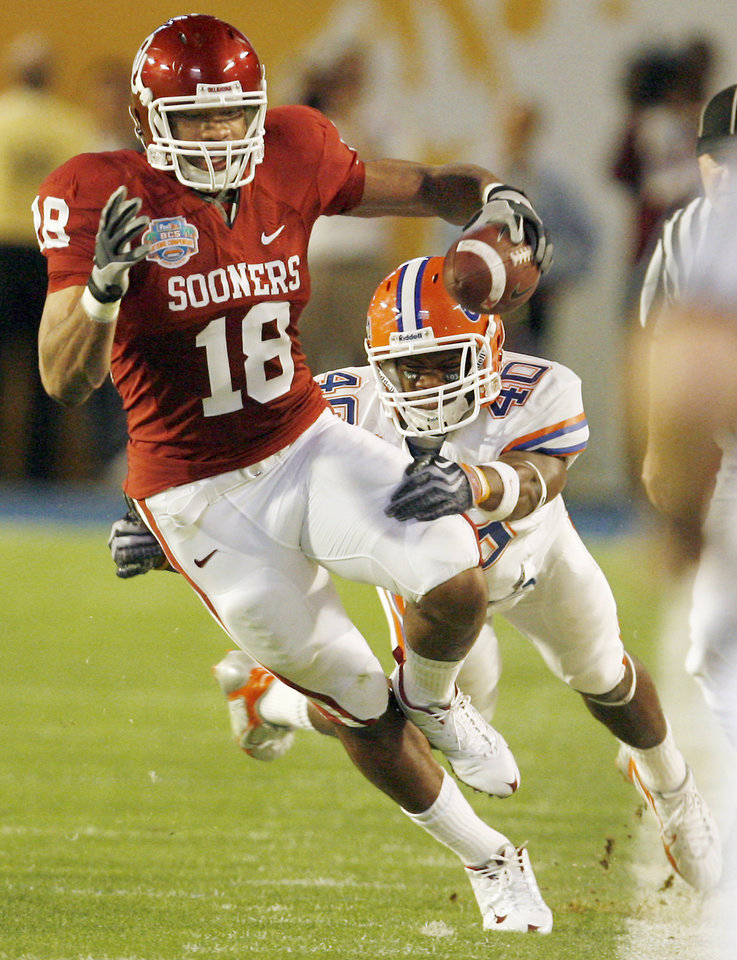 Photo - Oklahoma tight end Jermaine Gresham caught both of the Sooners' touchdowns against Florida. Photo by Nate Billings, The Oklahoman