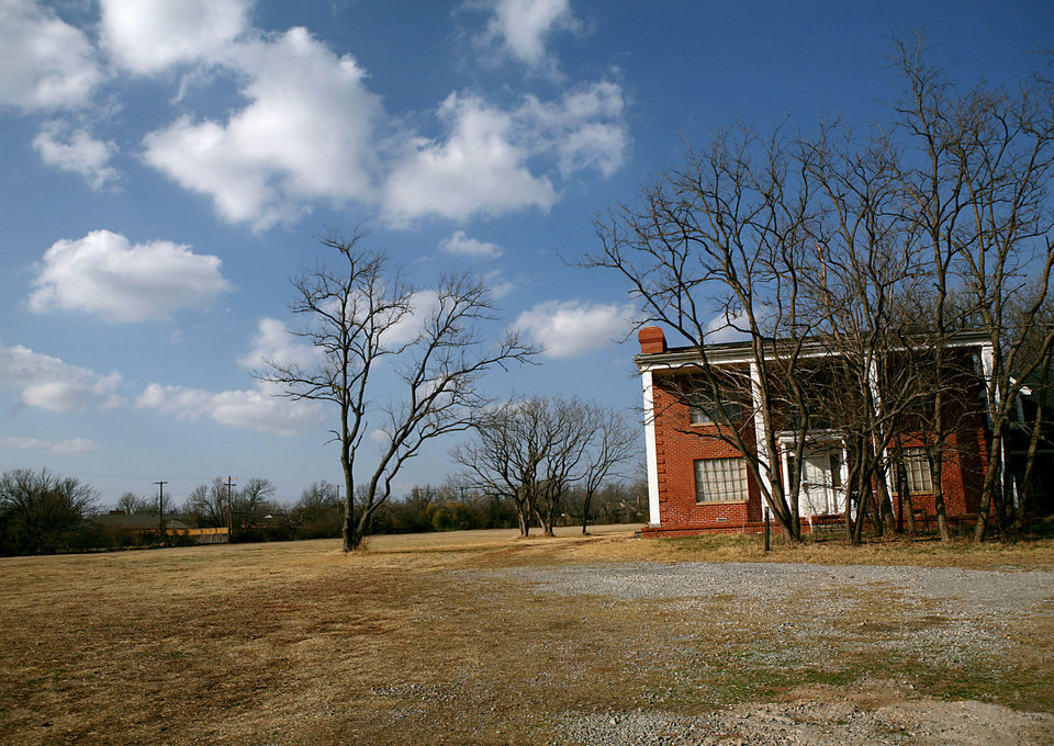 Photo - This February 2011 photo shows the old house and surrounding five acres, a long-familiar sight at 1601 NW 63, where Glenbrook Park is now under development in Nichols Hills. The Oklahoman archives
