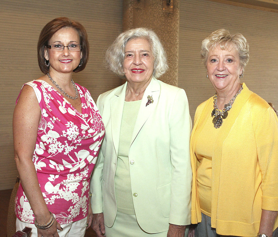 Photo - Fay Vrana, Marsha Townsend, Betty Ann Furseth.
