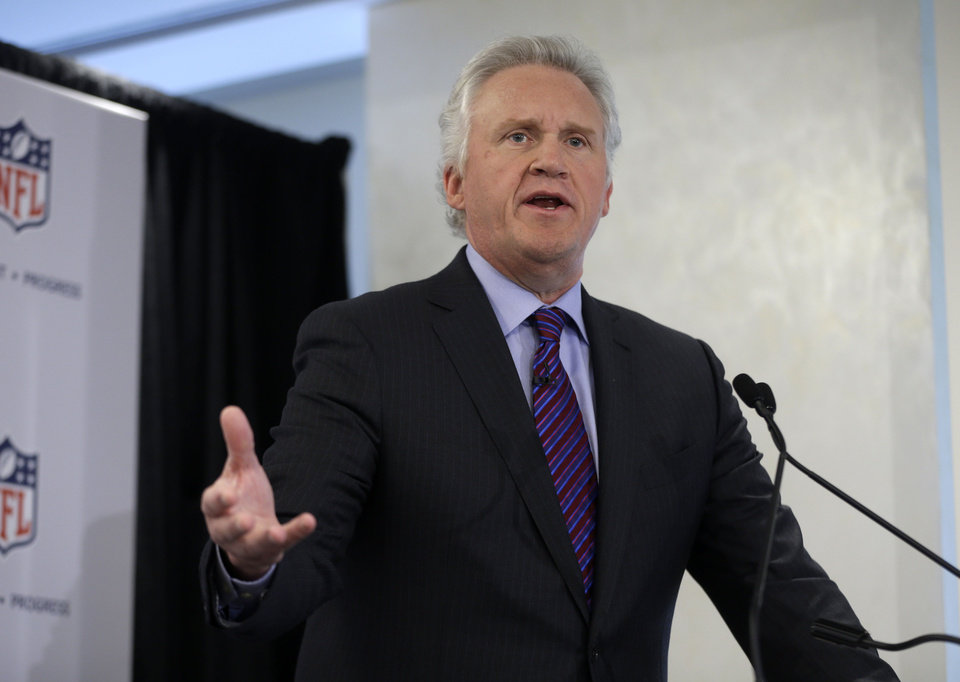 General Electric Chairman and CEO Jeff Immelt speaks during an NFL football news conference in New York, Monday, March 11, 2013. GE is partnering with the NFL, U.S. Military and others to further research on head injuries.  (AP Photo/Seth Wenig)