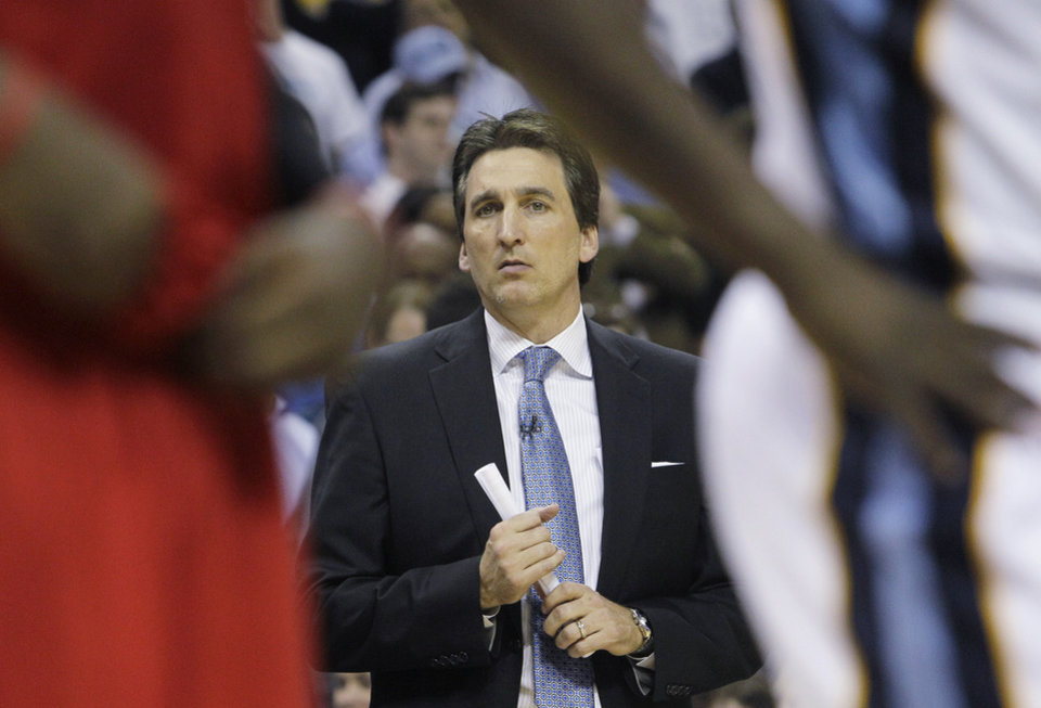 Los Angeles Clippers coach Vinny Del Negro watches the second second half of Game 3 in a first-round NBA basketball playoff series in Memphis, Tenn., Thursday, April 25, 2013. The Grizzlies defeated the Clippers 94-82. (AP Photo/Danny Johnston)