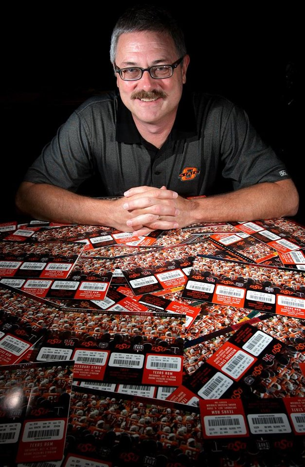 FOOTBALL SECTION PHOTO -- DO NOT USE!!!!!