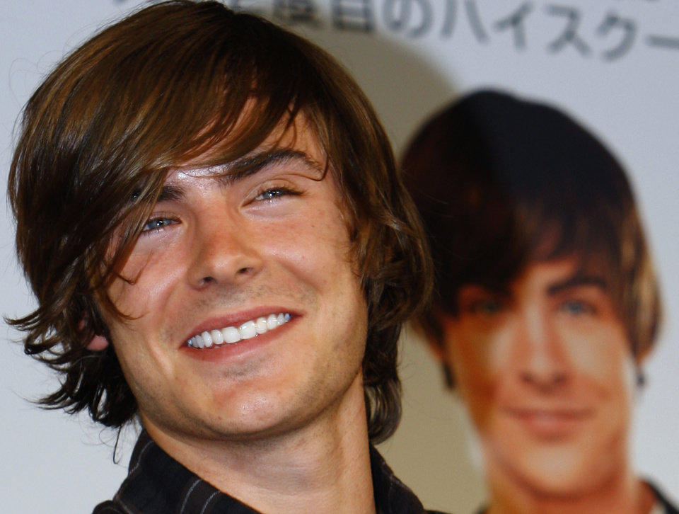 "U.S. actor Zac Efron smiles during a press conference to promote his latest film ""17 Again"" in Tokyo, Japan, Thursday, May 14, 2009. The movie will hit screens in the country on May 16. (AP Photo/Shizuo Kambayashi) ORG XMIT: XKAN102"