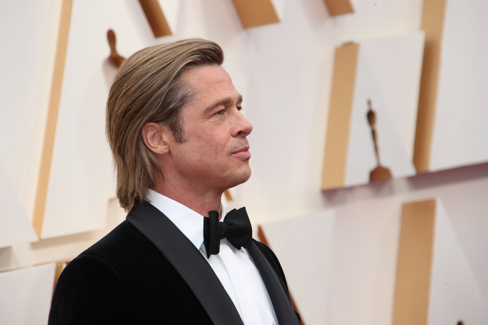 Photo - Feb 9, 2020; Los Angeles, CA, USA;  Brad Pitt arrives at the 92nd Academy Awards at Dolby Theatre. Mandatory Credit: Dan MacMedan-USA TODAY