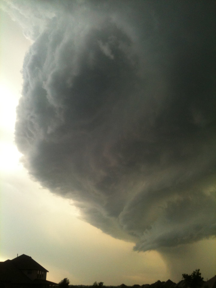 scary clouds from may 29, 2012