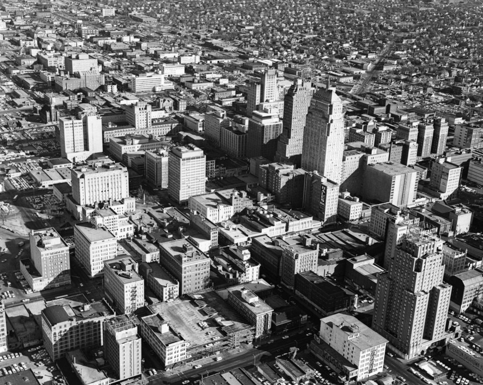 OKLAHOMA CITY / SKY LINE / OKLAHOMA / AERIAL VIEWS / AERIAL PHOTOGRAPHY / AIR VIEWS:  No caption.  Photo undated and unpublished.  Photo arrived in library 01/30/1964.
