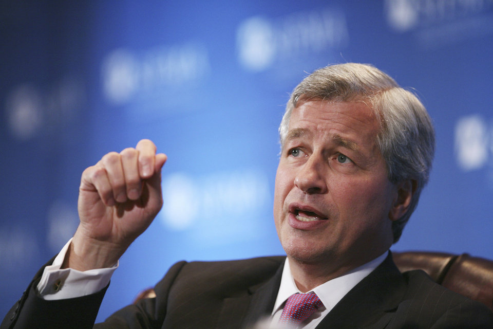 Photo -   FILE - In this Oct. 27, 2009 file photo, James Dimon, chairman and CEO of JP Morgan Chase & Co., speaks in New York. JPMorgan Chase, the largest bank in the United States, on Thursday, May 10, 2012 said that it lost $2 billion in the past six weeks in a trading portfolio designed to hedge against risks the company takes with its own money. (AP Photo/Mark Lennihan, File)