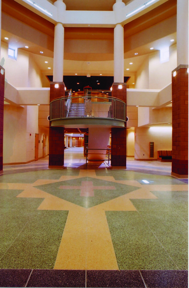 Photo - An American Indian motif is clear in the interior of Fort Defiance Indian Hospital on the Navajo Reservation in Arizona. Tulsa-based Flintco Inc., the largest American Indian-owned contractor in the country, provided preconstruction and construction management services for the project for the Indian Health Service.	 PROVIDED BY FLINTCO INC.	ORG XMIT: 0802222248518687