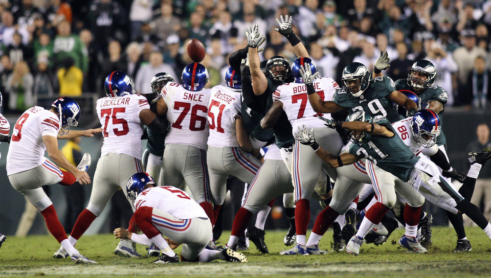 Photo -   New York Giants kicker Lawrence Tynes (9) attempts a 54-yard field goal that fell short during the second half of an NFL football game against the Philadelphia Eagles, Sunday, Sept. 30, 2012, in Philadelphia. The Eagles won 19-17. (AP Photo/The Wilmington News-Journal, Suchat Pederson) NO SALES