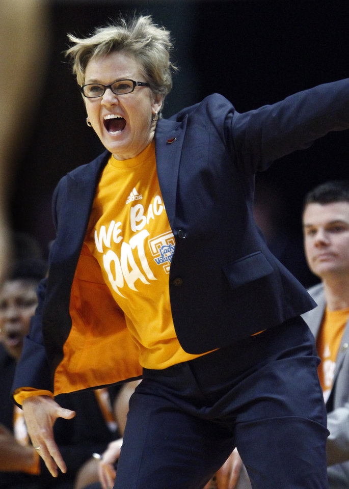Photo - Tennessee head coach Holly Warlick yells to her team in the second half of an NCAA college basketball game against Florida Thursday, Jan. 23, 2014, in Knoxville, Tenn. Tennessee won 89-69. (AP Photo/Wade Payne)