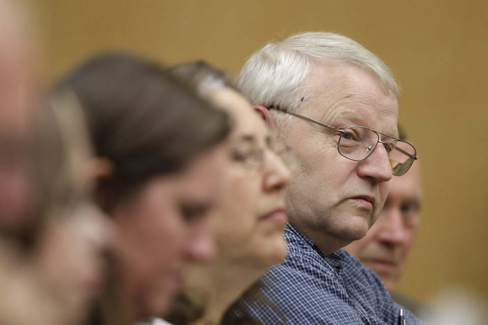 Photo -   Chuck Cox, the father of missing Utah mom Susan Powell, sits with other family members during the closing arguments in the voyeurism trial of Susan Powell's father-in-law, Steve Powell, Tuesday, May 15, 2012, in Tacoma, Wash. (AP Photo/Ted S. Warren)